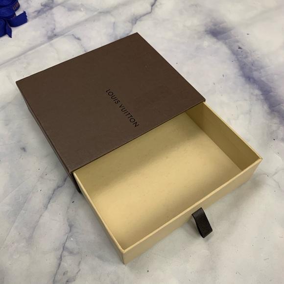 Louis Vuitton Other - LOUIS VUITTON gift box